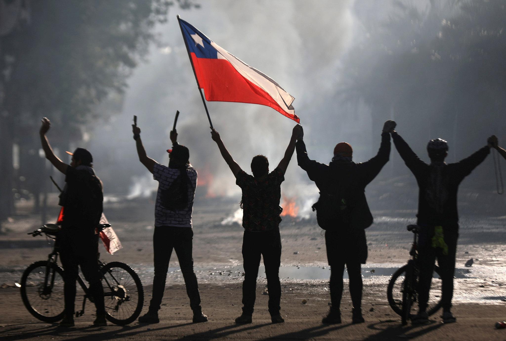 Sobre el problema de la Patria: convivir desde el arraigo. Por Alex Ibarra Peña